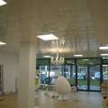 Ladenlokal nach der Renovierung mit einer hochglanz Odenwalddecke