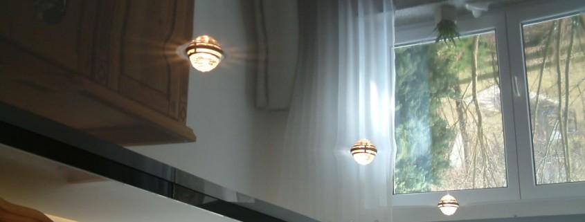 Spanndecke mit Höhenversatz Swarovski Kristalle Einbaustrahlern