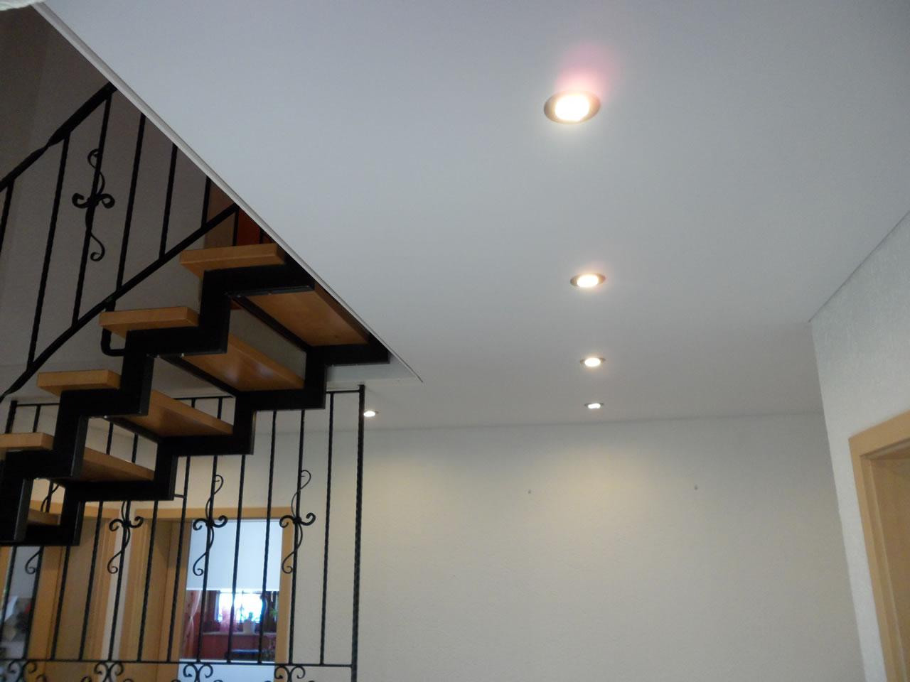 holzdecke renovieren abh ngen fp trockenbau spanndecken. Black Bedroom Furniture Sets. Home Design Ideas